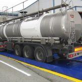 BRSO 24000 - Bac de rétention souple de 24000 L installé sous camion citerne pour dépotage